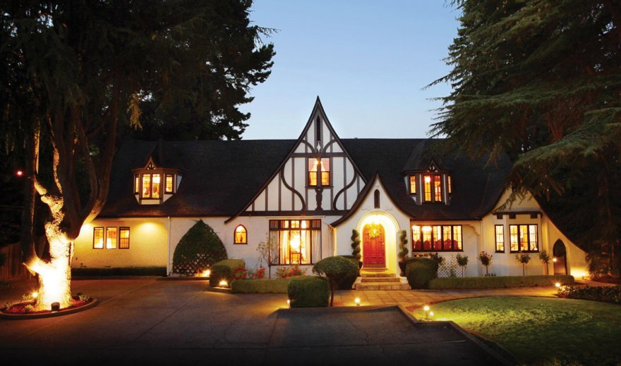 exterior of folky Napa Valley accommodation at dusk