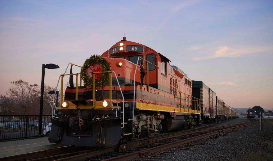 Santa Train | Napa Valley Wine Train